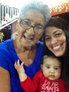 Abuela, Draco y Yomaris