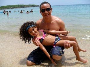 Angelika y Angel en playa 7 Seas, Puerto Rico